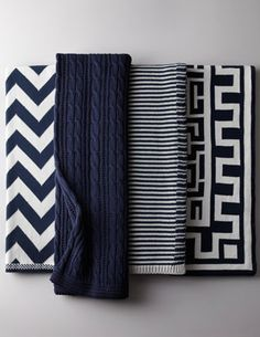 pretty navy and white throws  http://rstyle.me/n/npfpnpdpe