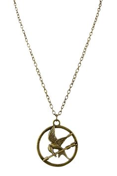 I <3 this necklace... I <3 Katniss... I <3 The Hunger Games!!