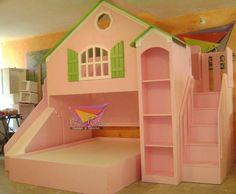 Busca imágenes de diseños de Habitaciones infantiles estilo translation missing: mx.style.habitaciones-infantiles.clasico}: Hermosa casita rosa. Encuentra las mejores fotos para inspirarte y y crear el hogar de tus sueños.