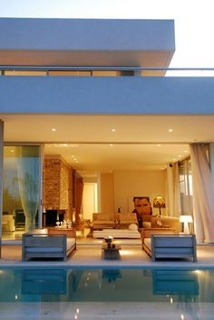 Diseño de Interiores & Arquitectura: Arquitectura Moderna en los Suburbios de Buenos Aires: Casa Agua