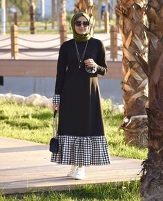 Trendy Plaid and Plain Matching Abaya Fashion for Muslims – Girls Hijab Style & Hijab Fashion Ideas Modest Dresses, Trendy Dresses, Modest Outfits, Simple Dresses, Hijab Style Dress, Hijab Outfit, Abaya Style, Hijab Chic, Abaya Fashion