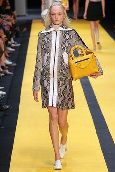 Carven Spring 2015 Ready-to-Wear Fashion Show - Maja Salamon (Next)