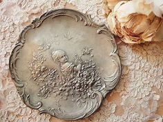 Love this vintage tray!