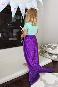 little of this, a little of that: Mermaid Tail {Tutorial} Mermaid Tail Skirt, Mermaid Tail Pattern, Mermaid Tail Costume, Girls Mermaid Tail, Mermaid Kids, Mermaid Tails For Kids, Little Girl Mermaid Costume, Little Mermaid Dresses, Little Mermaid Parties