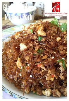 Glass Noodles Stir Fry with Minced Meat (肉末冬粉) Recipe Meat Recipes, Asian Recipes, Cooking Recipes, Ethnic Recipes, Chinese Recipes, Noodle Recipes, Dishes Recipes, Snacks Recipes, Recipes