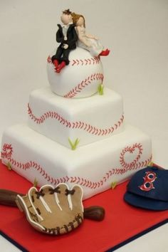 Cute wedding cake, if both husband and wife absolutely love baseball! But you could make it a basketball, soccer ball, football, or even a volleyball! But it's just a lovely cake. I love how the baseball stitching form hearts on the cake! So sweet!