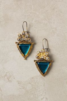 Azure Point Drops by Gypsy. My ears would be honored . Jewelry Box, Jewelry Accessories, Fashion Accessories, Jewelry Design, Do It Yourself Jewelry, Look Vintage, Diamond Are A Girls Best Friend, Vintage Earrings, A Boutique