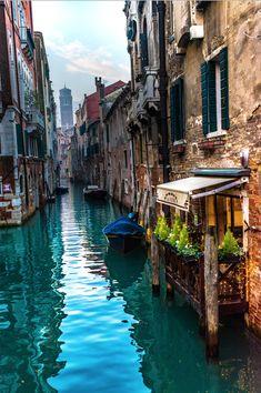 Venezia. Lucine Natalizie nei canali