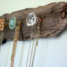 34 Driftwood Crafts to Give a Beachy Feel to Your Home ... → DIY