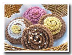 Crochet a cinnamon bun