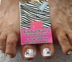 Veronica, Nails, Designed Nails, Treatment For Ingrown Toenail, Pretty Toe Nails, Simple Toe Nails, Gold Nail Art, Finger Nails, Ongles