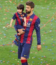 It is about three years old and is not the first time that Milan Pique, the eldest son of Gerard Pique and Shakira, demonstrates his skill with sports