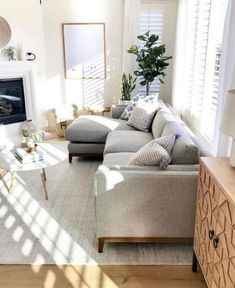 best solution small apartment living room decor ideas 2019 44 - Home - Apartment Decor Small Apartment Living, Small Living Rooms, Home Living Room, Modern Living, Family Rooms, Small Living Room Designs, Small Apartment Furniture, Cozy Living, Interior Design For Small Living Room
