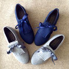 Descubra os sapatos estilo carneira em duas cores. REALIS aposta em cinza claro e azul escuro. O que acham? 😉 #realis_shoes #realis #shoes #madeinportugal #portuguesebrand #serradaestrela #fashion #style #burel #shoeslovers #trends #color Tap Shoes, Dance Shoes, Ps, Instagram, Fashion, Dark Blue, Colors, Style, Moda