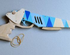 Rubber Band Gun  Gummiband-Pistole  03 by EPICSCAPES on Etsy