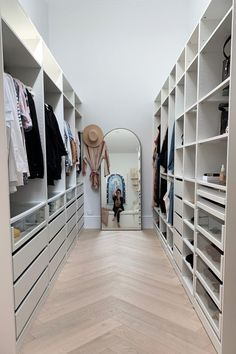 BY SOPHIE @ PEPPAHART One of the 'must haves' in our dream home was storage galore! I wanted the house to look quite minimalist, which meant we needed lots of places to hide all our 'stuff' away… Walk In Closet Design, Bedroom Closet Design, Master Bedroom Closet, Closet Designs, Ikea Bedroom, Wardrobe Room, Ikea Walk In Wardrobe, Dressing Room Design, Ikea Dressing Room