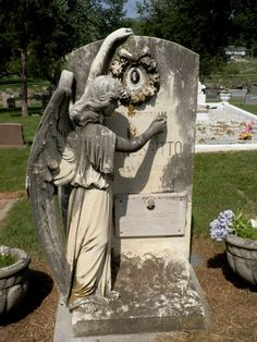 Angel writing name of deceased on tombstone at Holy Sepulchre Cemetery in Omaha, NE. ~ ღ ~ Skuwandi Cemetery Monuments, Cemetery Statues, Cemetery Headstones, Old Cemeteries, Cemetery Art, Graveyards, Cemetery Angels, I Believe In Angels, Reflection Photography