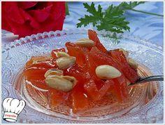 Παραδοσιακο ,λατρεμενο γλυκο του κουταλιου το κυδωνι με αμυγδαλοκαι μπολικο δεμενο σιροπι για τις κρυες μερες και νυχτες του χειμωνα,σκετο η'με γιαουρτακι!!! <strong>Δοκιμαστε το!!!</strong> Greek Desserts, Greek Cooking, Sweetest Day, Sweet Recipes, Sweet Treats, Deserts, Curry, Dessert Recipes, Food And Drink