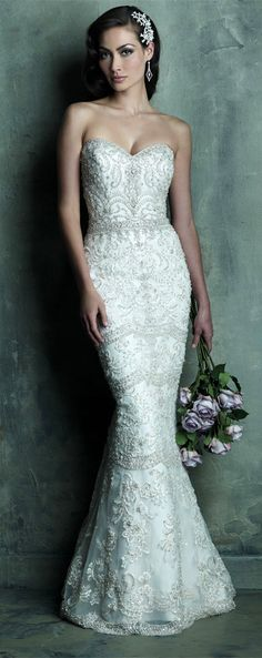 Luxurious Sweetheart Natural Waist Wedding Dress