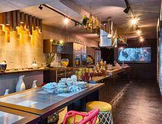 Mais que um espaço para preparo de alimentos, a cozinha se tornou um ambiente para recebimento de visitas. Confira as soluções adotadas pelos profissionais das mostras!