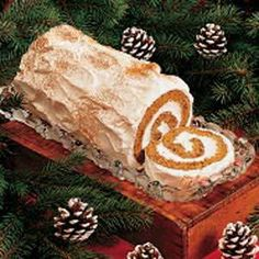 Gingerbread Yule Log Recipe -Nicely seasoned gingerbread holds a sweet creamy filling. This dessert is surprisingly light, so it's easy to indulge in a generous slice after a hearty meal. Christmas Goodies, Christmas Desserts, Holiday Treats, Christmas Treats, Holiday Recipes, Christmas Log Cake, Vegan Christmas, Holiday Cakes, Holiday Foods
