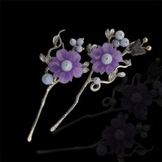 라벤더비취꽃 머리꽂이(1개) Korean Hanbok, Korean Dress, Korean Accessories, Hair Accessories, Chinese Hairpin, Shabby Chic Garden, Korean Traditional, Hair Ornaments, Hair Jewelry