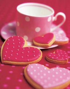 Valentine's Day / Peggy Porschen Cakes Ltd Cookies Roses, Pink Cookies, Galletas Cookies, Heart Cookies, Cute Cookies, Sugar Cookies, Heart Cupcakes, Sweet Cookies, Iced Cookies
