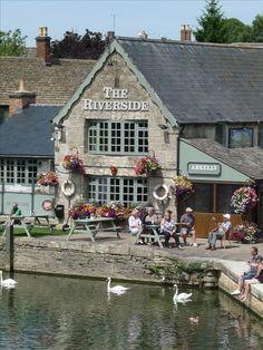 Lechlade, Halfpennybridge, Cotswolds, Gloucestershire, England..♔..