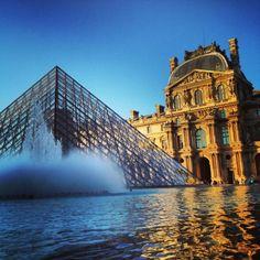 La pyramide du Louvre, Paris 1 er