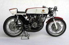 YamahaRD56 - Pipeburn - Purveyors of Classic Motorcycles, Cafe Racers & Custom motorbikes
