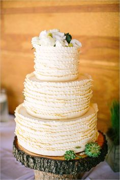 White ruffled wedding cake on wooden cake topper / Gâteau de mariage Wooden Cake Stands, Wooden Cake Toppers, Fancy Cakes, Cute Cakes, Wedding Sweets, Wedding Cakes, White Iced Cake, Different Cakes, Character Cakes