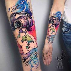 arm tattoo sleeve camera and map ideen reisen Travel Camera Tattoo Arm Tattoo, Tigh Tattoo, Tattoo Bunt, Tattoo Henna, Map Tattoos, Neue Tattoos, Body Art Tattoos, Sleeve Tattoos, Travel Tattoos