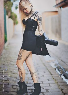 Tattoos everywhere!! <3