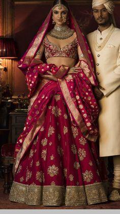 Sabyasachi bride in magenta colour lehenga teamed with magenta benarasi dupatta - royal and classy | wedding inspiration | wedding venues in Mumbai | wedding blogs | wedfine.com |