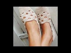 Hermosos y delicados diseños de zapatos tejidos a crochet - YouTube