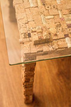 Журнальный стол «Salvador» Дизайнерский журнальный стол ручной работы из пробковой мозаики, с стеклянной столешницей. -Бренд #TCS #TkachukCorkStyle -Высота: 45 см  -Размер столешницы: 60\60 см -Толщина стеклянной столешницы: 8 мм (Закалённое стекло)  -При необходимости столешница быстро и легко демонтируется -Материал: деревянная основа, покрытая пробковой мозаикой