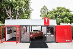 Car Store - Knowing that pop-up shops are one of the most popular ways to reach new and prospective customers at the moment, Tesla Motors brought a car store t... Container Architecture, Eco Architecture, Shop Front Design, Store Design, Shipping Container Store, Shipping Containers, Maserati, Automotive Shops, Automotive News