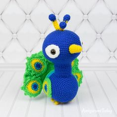 Your amigurumi zoo is incomplete until Paco the Peacock is calling it home! This incredible peacock crochet pattern features charming details and realism while still maintaining a cuddly and cute personality. Crochet Feathers Free Pattern, Peacock Crochet, Crochet Patterns Amigurumi, Diy Crochet, Crochet Toys, Crochet Animals, Crochet Flowers, Crochet Chain Stitch, Single Crochet Stitch
