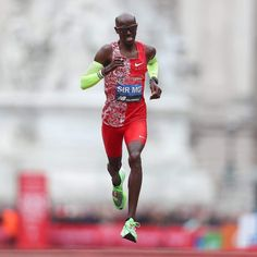 Sir Mo at London marathon 2019 Mo Farah, Long Distance Running, Daily Burn, Running Wear, London Marathon, Running Inspiration, Athletic Men, Track And Field, Squats