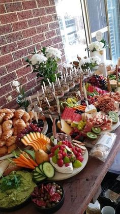 Ideas Breakfast Buffet Party Food Stations Brunch Wedding For 2019 Party Platters, Buffet Party, Brunch Buffet, Food Platters, Cheese Platters, Tapas Buffet, Breakfast Buffet Table, Party Tables, Brunch Bar Ideas