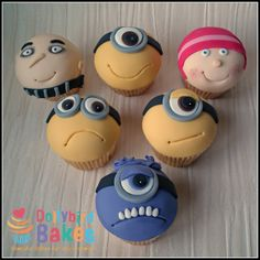 """Minions, the hilariously entertaining little characters from """"Despicable Me"""" – We all love them, we love them so much that they have become one of the most requested cakes since the beginning of the Despicable Me series in The best thing. Fondant Cupcakes, Kid Cupcakes, Baking Cupcakes, Cupcake Cookies, Fondant Rose, Cupcakes Design, Despicable Me Cupcakes, Minion Cakes, Fondant Figures"""