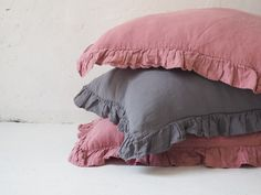 Linen pillowcases made of stonewashed linen. This airy fabric allows skin to breath and ensures feeling of freshness. Linen Pillows, Bed Linen, Linen Bedding, Bedding Sets, Bed Pillows, Dreams Beds, Minimalist Interior, Natural Linen, Pillowcases
