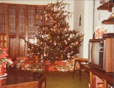 Christmas in the 70s vs. Christmas Today — Victoria Fedden...