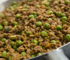 Indian Chili: Keema With Peas Recipe The only Indian ground beef recipe you need to know beef recipes Indian Beef Recipes, Meat Recipes, Cooking Recipes, Ethnic Recipes, Healthy Recipes, Recipies, Curry Recipes, Greek Recipes, Healthy Cooking