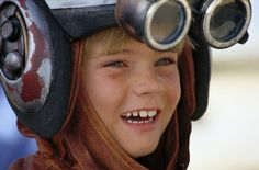 Jake Lloyd, who played a young Anakin Skywalker in Star Wars: Episode I – The Phantom Menace, was arrested on June 21 after being pursued by Charleston, South Carolina, police in a high speed . Jake Lloyd, Star Wars Meme, Star Wars Quotes, Peter Mayhew, Images Star Wars, Star Wars Pictures, Mark Hamill, Rachel Bilson, Harrison Ford