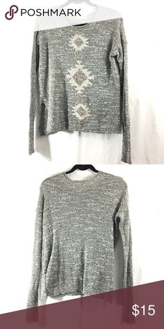 Hollister grey sweater Has slits on the sides. Good condition. Bundle 3+ from me and save 15% off, only pay shipping once, and get a free gift! Hollister Sweaters