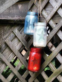 Fourth of July Mason Jars - Mason Jar Crafts - Or Jackpot Candle glass jar crafts! Mason Jar Lanterns, Blue Mason Jars, Mason Jar Lamp, Star Lanterns, Jar Candles, Mason Jar Projects, Mason Jar Crafts, Diy Projects, July Crafts