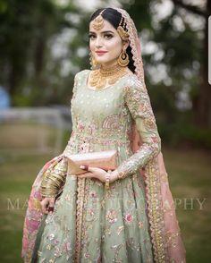 Latest Beautiful Ideas for Mehndi Dresses Bridal Mehndi Dresses, Indian Wedding Gowns, Asian Bridal Dresses, Walima Dress, Asian Wedding Dress, Shadi Dresses, Pakistani Formal Dresses, Bridal Dress Design, Wedding Dresses For Girls