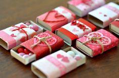 Boîtes d'alumettes, décorées pour Saint-Valentin, cadeau a faire soi-meme