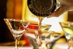 Learn how to bartend and how to make a drink that will amaze your guests. These real bartending tips will help you make better cocktails, every time. Vodka Recipes, Alcohol Drink Recipes, Cocktail Recipes, Bar Recipes, New Year's Eve Cocktails, Bourbon Cocktails, Bartending Tips, Cranberry Juice And Vodka, Whipped Vodka
